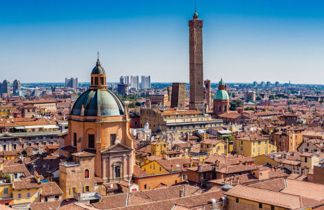 Panorama Bologna - © GoneWithTheWind/Fotolia.com