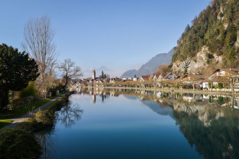 Interlaken am Morgen - © icephotography/Fotolia.com