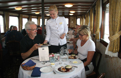 Bordrestaurant der MS Diana - © Lernidee